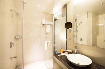 Citrus Hotel Chinchwad - Bathroom  - #0
