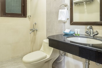 Treebo Zion Residency Inn - Bathroom  - #0