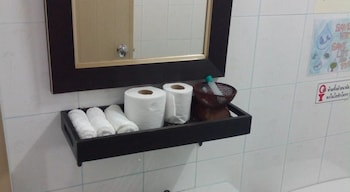 Thaweesuk Old town Boutique Homestay - Bathroom Amenities  - #0