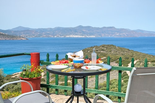 Anemone Seaside Traditional Homes, Crete