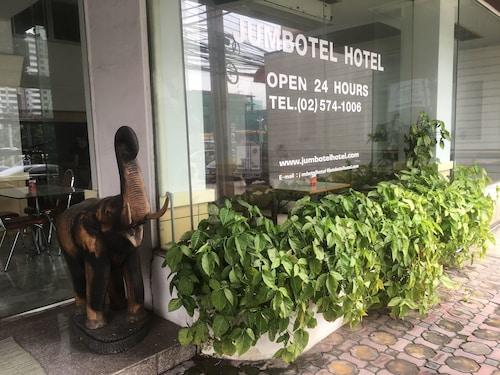 Jumbotel Hotel, Lak Si
