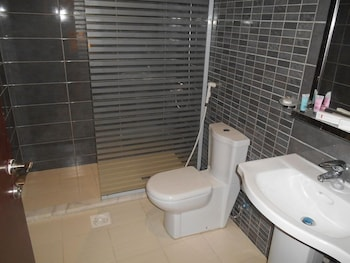 Julanar Alsharq Suites - Bathroom  - #0