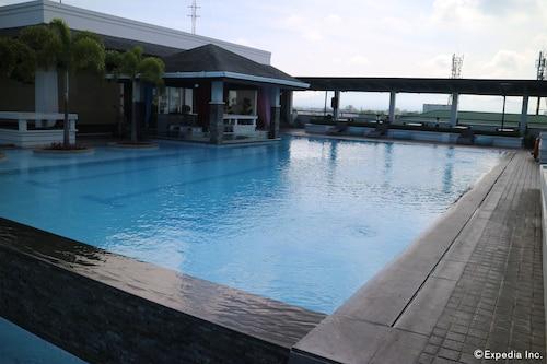 L'Fisher Chalet, Bacolod City