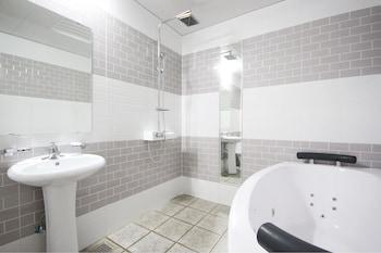 Dom Hotel - Bathroom  - #0