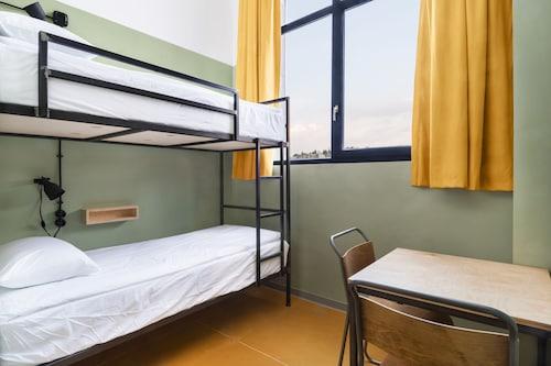 Fabrika Hostel & Suites - Hostel, Tbilisi