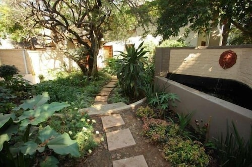 Monchique Guest House, West Rand