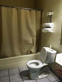 Mission Motel Lynwood - Bathroom  - #0
