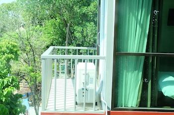 A Plus Deluxe Hotel - Balcony  - #0