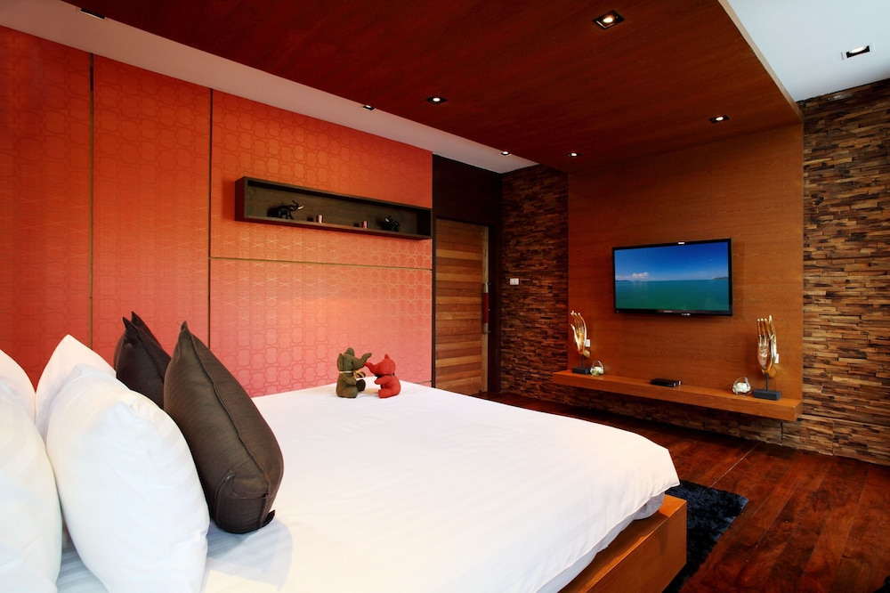 https://i.travelapi.com/hotels/17000000/16880000/16870500/16870442/496e58ad_z.jpg