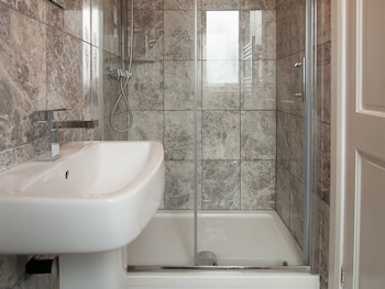 Courthouse Apartments - Bathroom  - #0