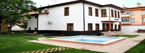 Konya Dervish Hotel, Selçuklu