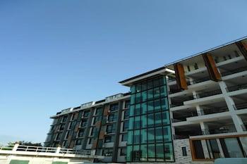 Izen Pure Budget Hotel & Residences - Exterior  - #0