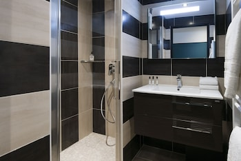 Unique Hotel & Residence - Bathroom  - #0