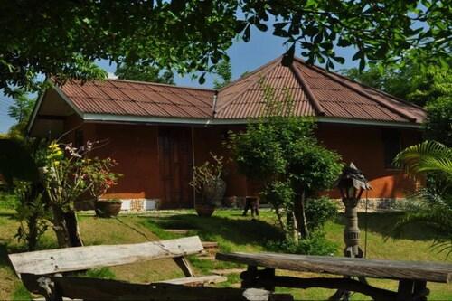 . Baandin Huaiphung Resort