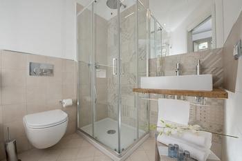 Colosseum Corner - Bathroom  - #0