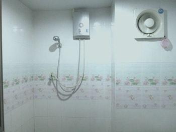 Ban Bua Resort & Hotel - Bathroom  - #0