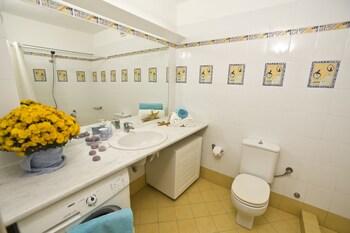 Electra Beachfront Villa - Bathroom  - #0