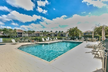 Saratoga Townhouse 2 Bedroom Holiday Home by Naples Florida