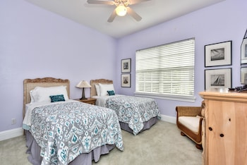 Syracuse 3 Bedroom Holiday Home by Naples Florida