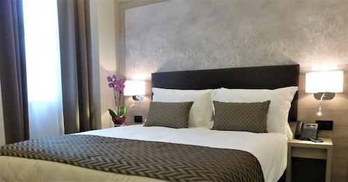 . Hotel Milano