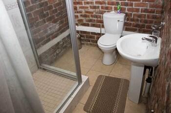 Ebony and Ivory - Bathroom  - #0
