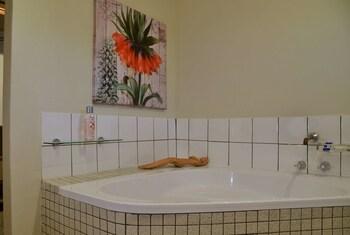 River View Lodge - Bathroom  - #0