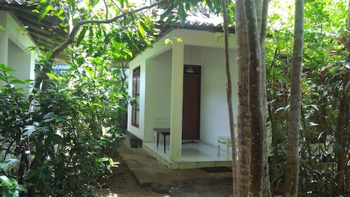 Zahir Retreat, Weligama