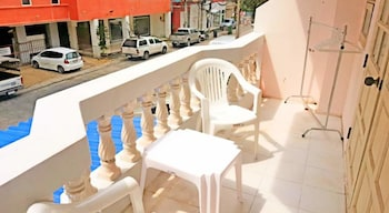 The Galiness Backpacker Hostel Patong - Balcony  - #0