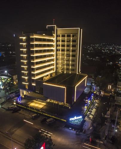 . Midtown Hotel Samarinda