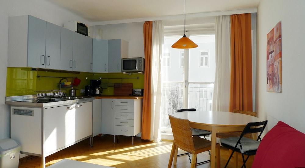 City Apartments Vienna - Wohlmutstraße
