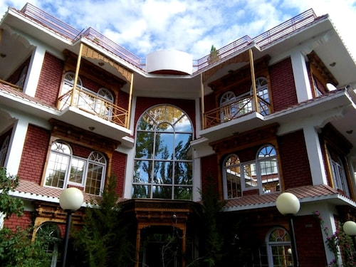 HOTEL K2 CONTINENTAL, Leh (Ladakh)
