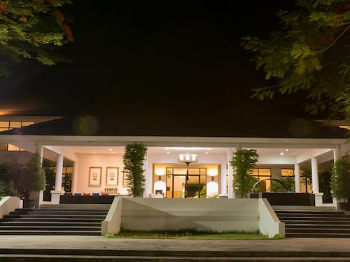 The Desiign Hotel, Sri Mahar Pho