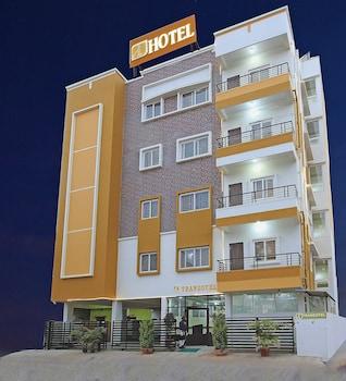 特蘭佐特邦加羅爾機場飯店