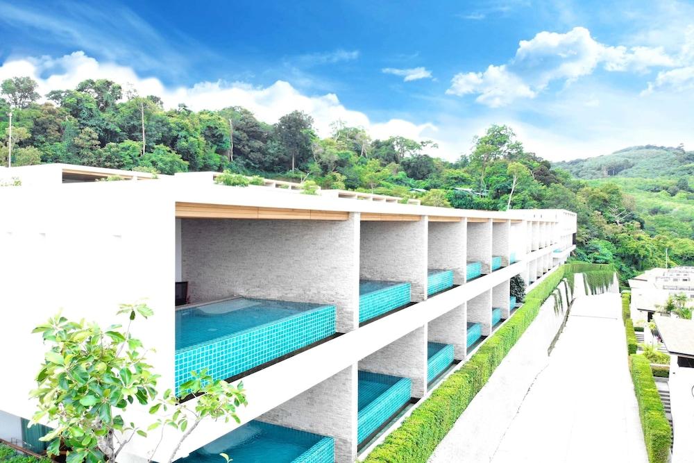 https://i.travelapi.com/hotels/18000000/17070000/17060700/17060685/3eb1619d_z.jpg