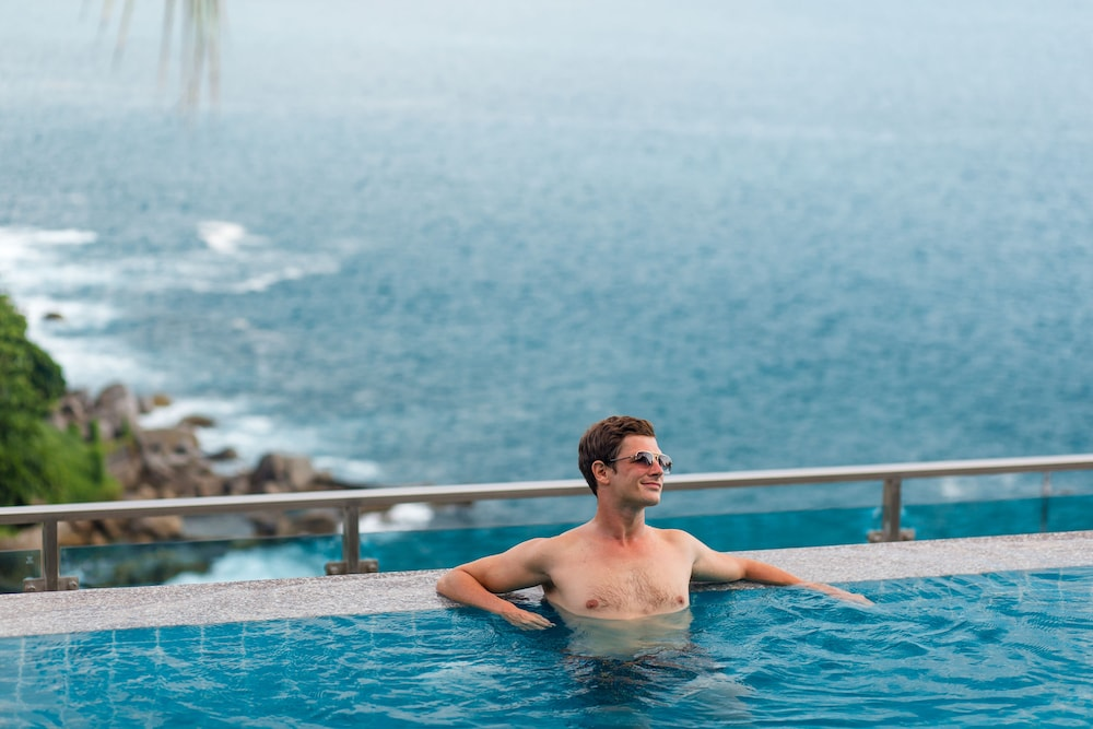 https://i.travelapi.com/hotels/18000000/17070000/17060700/17060685/84589de3_z.jpg