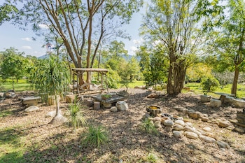 Little Garden Cottage By Favstay - Exterior detail  - #0
