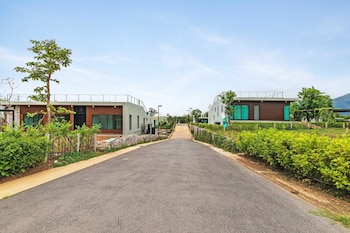 Phuphatara By Favstay - Hotel Entrance  - #0