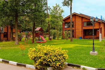 Cottage Hotel Stepanovo - Childrens Play Area - Outdoor  - #0