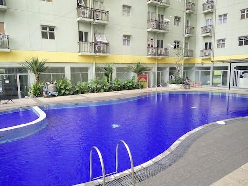 Apartemen The Suites Metro Yudis, Bandung