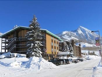克雷斯特德比特紅石住宿旅館