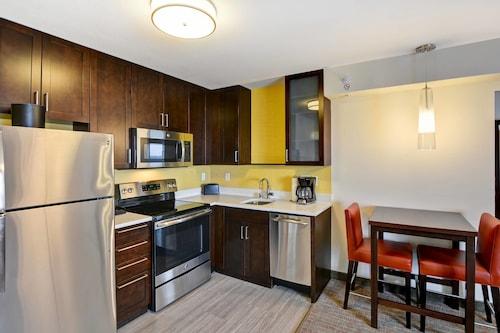 . Residence Inn by Marriott Milwaukee North/Glendale