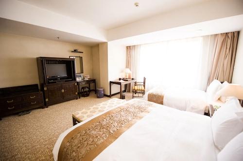 . Garden Hotel