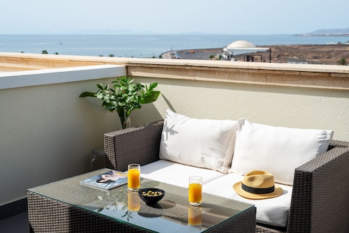 . Apartamentos Luxury Marabo Suites