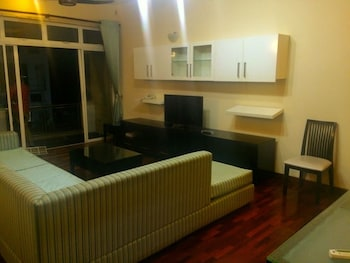 Vista Hawaii Residencies - Living Room  - #0