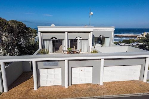 . Hermanus Beachfront Lodge