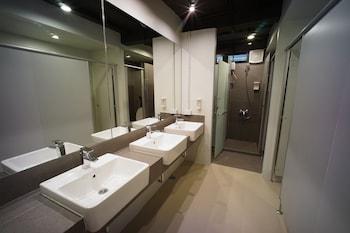 BRB Hostel Bangkok Silom - Bathroom  - #0