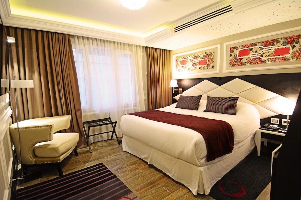 https://i.travelapi.com/hotels/18000000/17100000/17092300/17092237/86e027e4_z.jpg