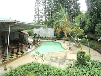 托帕斯加萊里亞飯店