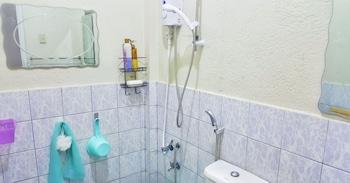 MININE GUESTHOUSE Bathroom Shower