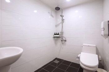 Seven Motel Songjeong - Bathroom  - #0